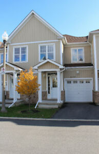 Stunning Townhome Located in the Neighbourhood of Riverview