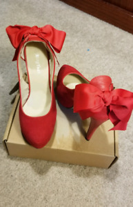 Red high heels shoes sz. 39(8)...$20.