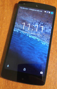 Google Nexus 5 16GB Unlocked/ Wind and Freedom Mobile Compatible