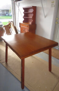 Vilas Maple Dining Room Set Table And 4 Chairs