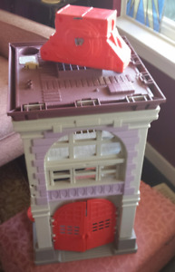 The Real Ghostbusters Fire House Headquarters Kenner Vintage