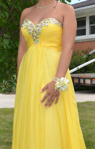 Prom/Formal Dress - Yellow Colour, size 6 London Ontario image 2