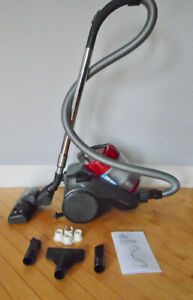Vacuum Bissell Bagless Canister