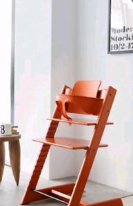 stokke chaise haute Tripp Trapp avec baby set