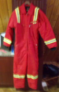 CANADIAN MADE INSULATED COVERALLS SIZE LARGE WORN ONCE ONLY. Strathcona County Edmonton Area image 1