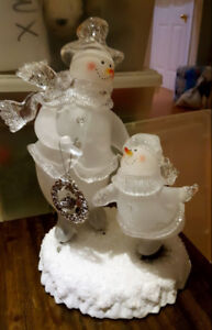 TABLE TOP LED ACRYLIC ICE SKATERS