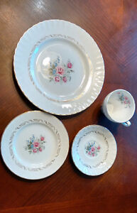Formal dish set