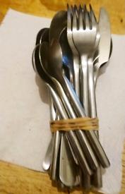 Bundle of cutlery - used