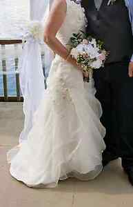 Beautiful white wedding dress NEW PRICE Kingston Kingston Area image 5