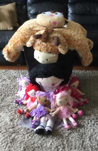 Dolls and giraffe pillow