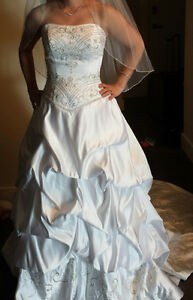 Wedding Dress (fits size 4)