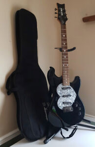 Daisy Rock Rebel Rockit Electric Guitar and Soft bag