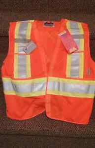 L/XL safety vest with tags
