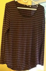4 TOPS in great condition $5-$10 or 4/$25!!! see all pics  purpl