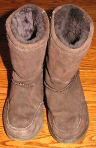 3 pairs of Girls Boots