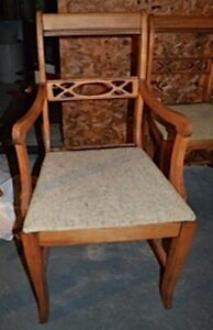 HC026 Antique Vtg Arm Chair & 4 Side Chairs $255