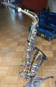 Saxophone engravé Parise