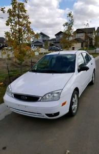2007 Ford Focus SES Sedan- LOW KM AND EXCELLENT CONDITION