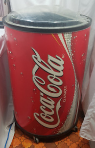 Vintage Round Coca-Cola Classic Bottle/Can Ice Chest Cooler