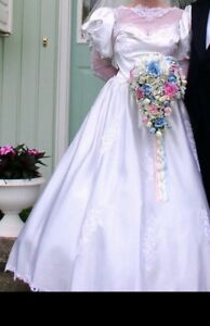 FOR SALE: LONG SATIN WEDDING GOWN - REDUCED PRICE!