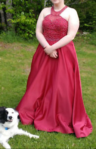 beautiful RED  PROM GOWN sz 18