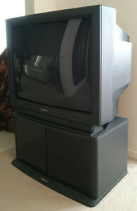 """Hitachi 31"""" TV with Stand"""
