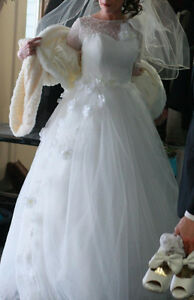 A Line/Full Length Wedding Dress Gatineau Ottawa / Gatineau Area image 3