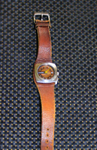 Vintage Ladies FOSSIL WRIST WATCH