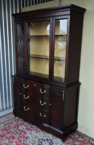 ** Elegant Bubble Glass display cabinet, solid wood, refinished
