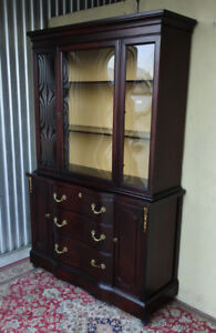 Elegant vintage display cabinet, bubble glass, newly refinished