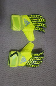 Size 10 Adidas Ace Competition soccer gloves