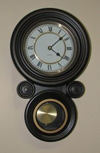 HORLOGES MURALES ... 2 modèles ... WALL CLOCKS