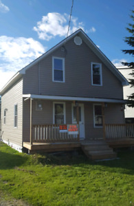 House for Rent in Holtyre - Recently Renovated
