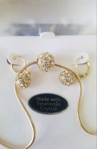 BRAND NEW NECKLACE WITH EARINGS MADE WITH SWAROVSKI CRYSTAL