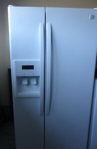 Kenmore Fridge Double Doors with Water Dispenser and Ice Maker