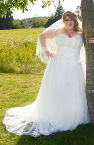 Stella York Ivory Wedding Dress