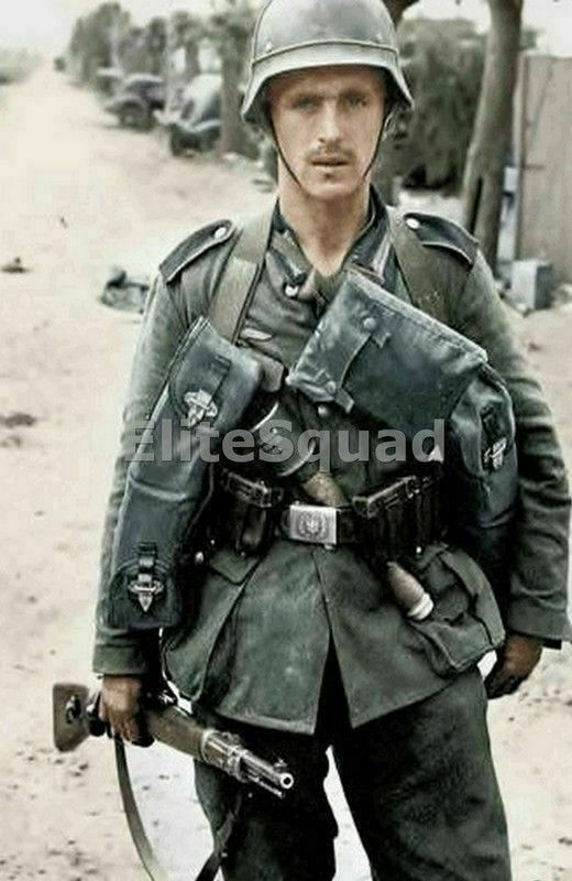 WW2 Picture Photo German Soldier in France 1940 797