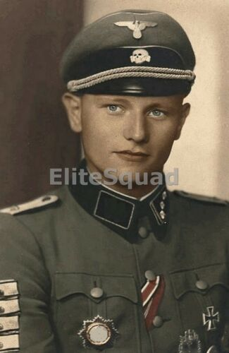 WW2 Photo Picture SS German Soldier 736
