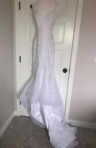 Pronovias mermaid wedding gown