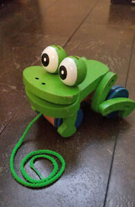Melissa and Doug Wooden Pull Along Frog