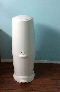 Diaper Genie with one refill