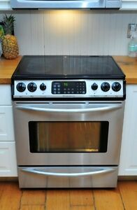 Frigidaire Gallery Slide In Stove - glass top & convection oven