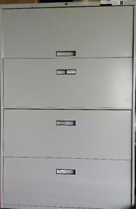 Filing Cabinet - 4 drawer with hanging folders