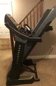 Livestrong treadmill like new condition London Ontario image 1