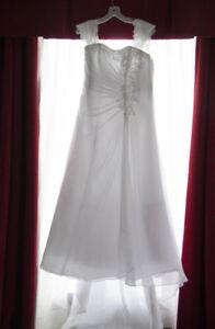 Beautiful, light weight, Wedding Dress