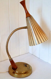 Vintage 1960. Collection. Lampe de table ou de bureau