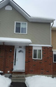 Renovated 2 Bedroom Condo Townhouse Orleans North Side