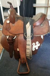 USED WESTERN SADDLE... MUST SELL NOW!