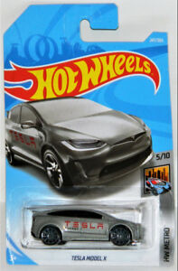 Hot Wheels 1/64 Tesla Model X Diecast Car
