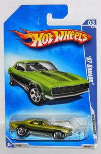 Hot Wheels 1/64 1967 Chevrolet Camaro Diecast Car
